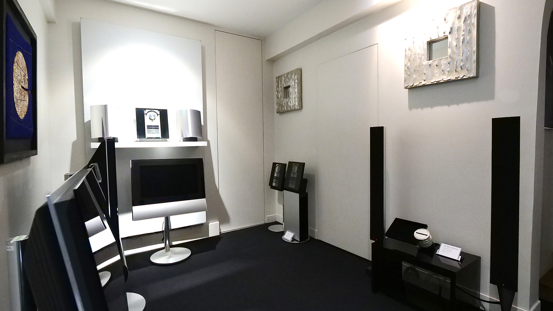 nos showrooms paris bang olufsen devialet sonos loewe. Black Bedroom Furniture Sets. Home Design Ideas